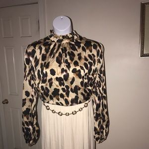 Tops - NWOT Gorgeous leopard print top